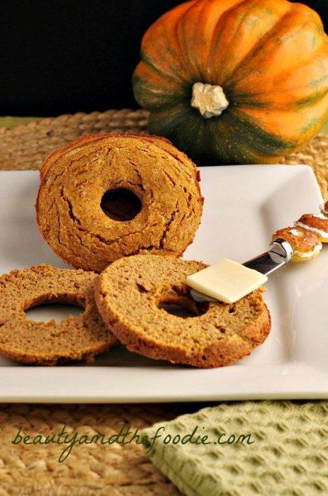 low-carb-pumpkin-bagels for Keto Pumpkin Treats