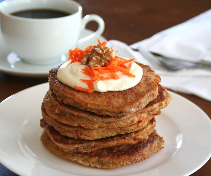 Carrot cake low carb pancakes