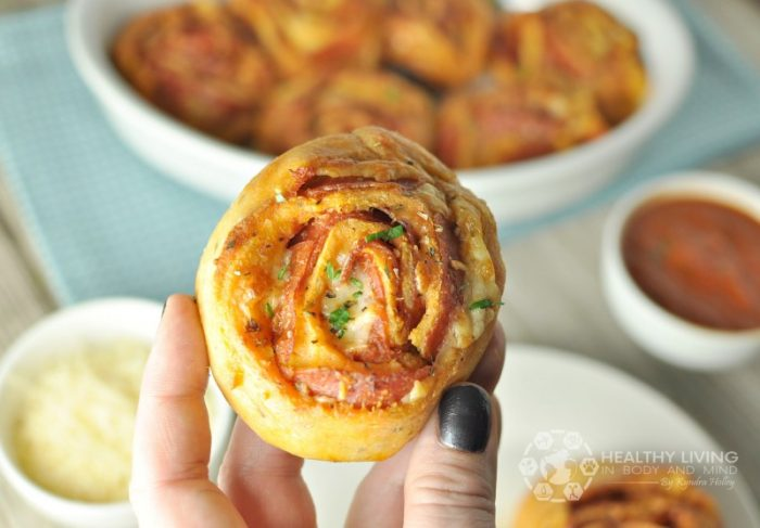 Pepperoni Keto Pizza Pinwheels