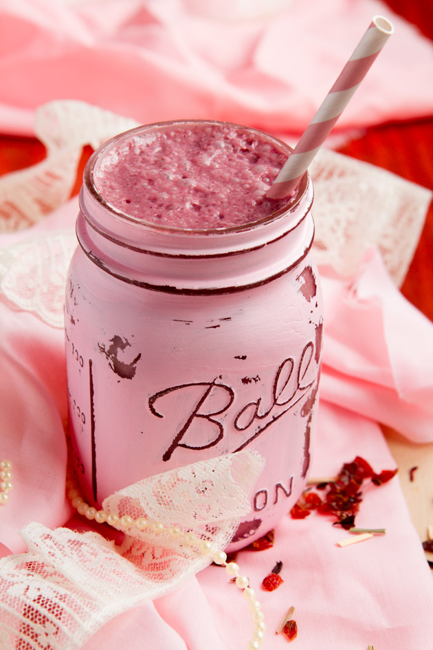 Low Carb Keto Smoothie with Ruby Rose Herbal Tea