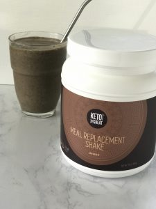 How to Make a Keto Smoothie and Chocolate Smoothie Recipe